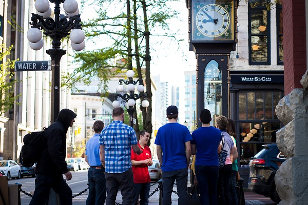 experience vancouver group sightseeing outdoors tours foodie gastronomic gastown steamclock