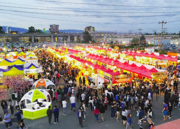 experience vancouver group richmond night market summer 2017