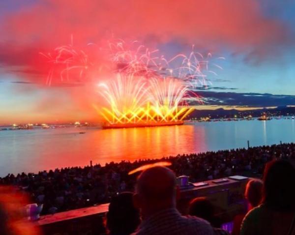 experience vancouver group celebration of light honda fireworks summer 2017